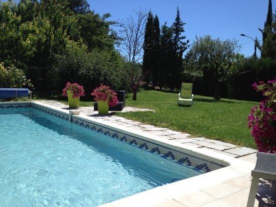 Les 7 Roses : pool