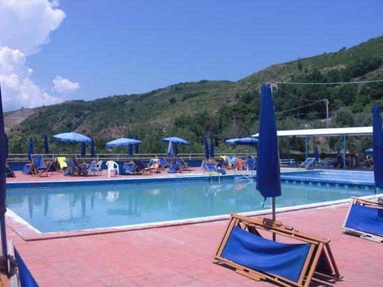 Piscina picture of piscine termali arcobaleno - Suio terme piscine ...