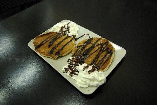 Aki a la Vuelta: Exquisitas Tortitas con varios siropes para elegir.