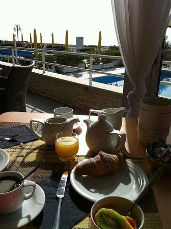 Hotel Victoria Frontemre: Colazione