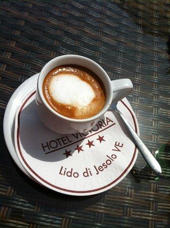 Hotel Victoria Frontemre: Caffè