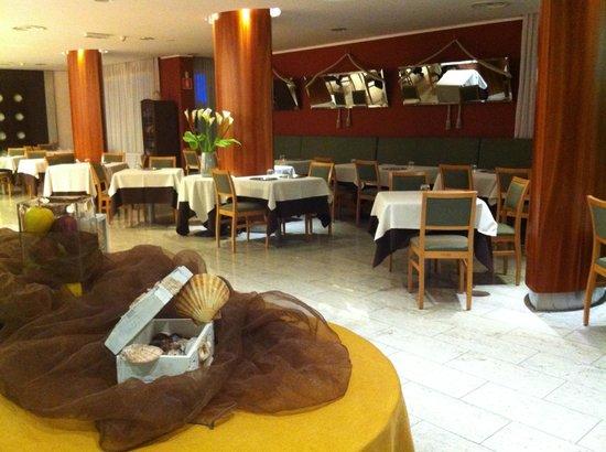 Hotel Victoria Frontemre: Sala ristoro