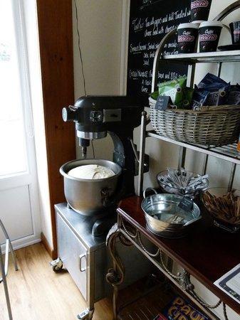Gusto Grill & Roast: Flatbread dough rising