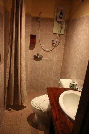 Saynamkhan Hotel: Water heater