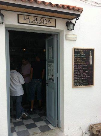 Bar abaceria la oficina vejer de la frontera restaurant for Bar la oficina