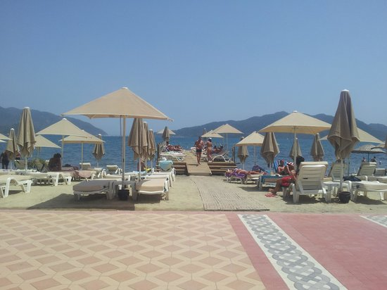 heaven oseven [club nergis beach]: View from Heaven O Seven Mamaris a great place