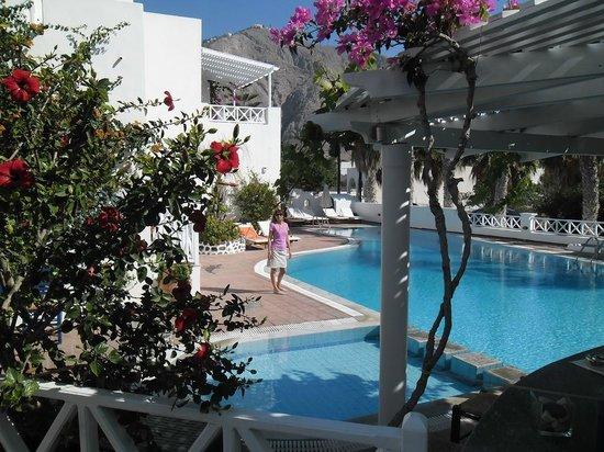 Kouros Village Hotel : Piscina