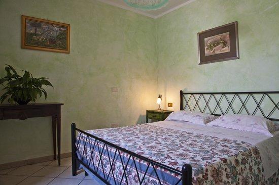 Camera da letto   picture of villa angela country house, santa ...