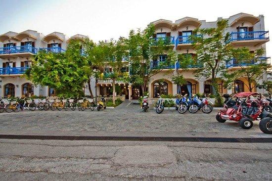 Alexandra Beach Hotel & Apartments: Theodorou Beach Hotel