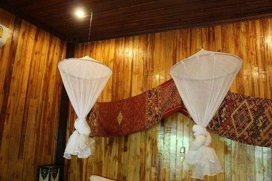 Luang Prabang Paradise Resort: Mosquito net