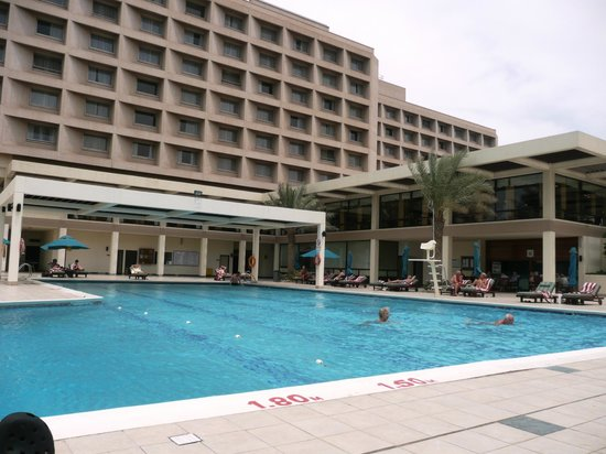 Hilton Ras Al Khaimah Resort & Spa: Poolbereich Hilton Ras Al Khaimah