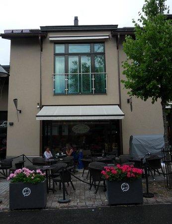 Cafe Violet