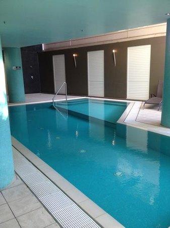 Adina Apartment Hotel Sydney Town Hall: pool