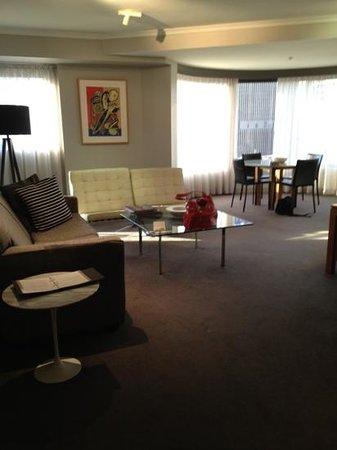 Adina Apartment Hotel Sydney Town Hall: lounge