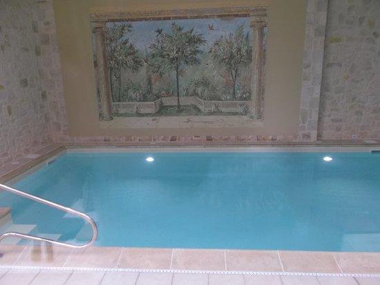 Hotel Castel Jeanson : Lovely pool