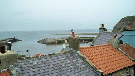The Endeavour Staithes with Luxury Bed & Breakfast: View from top room
