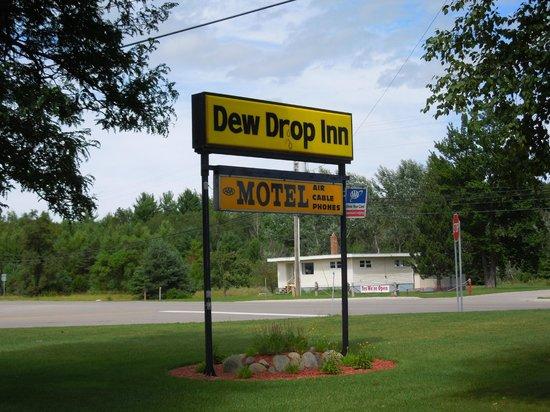 Dew Drop Inn: Hotel sign
