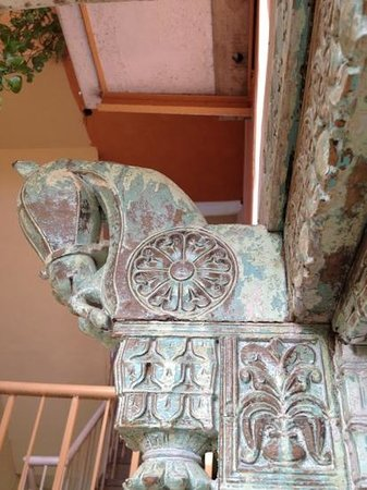 Chhoti Haveli: ornate horse