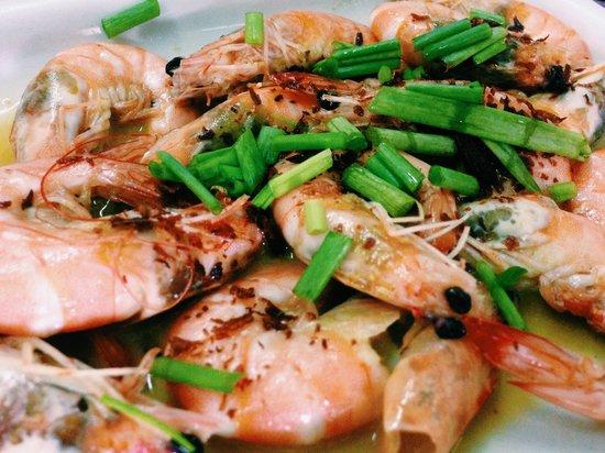 Pinoy Fiesta Ihaw Ihaw : Prawns in butter and garlic