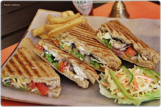 Chic Chicken Grilled Sandwich Picture Of Bakes Beans B B Amritsar Tripadvisor