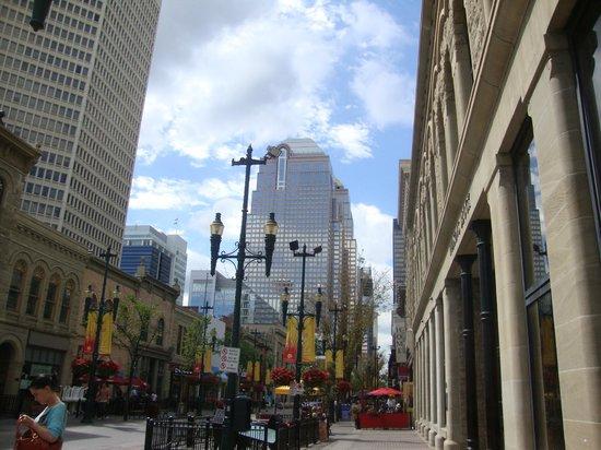 Delta Hotels Calgary Downtown : La via dello shopping