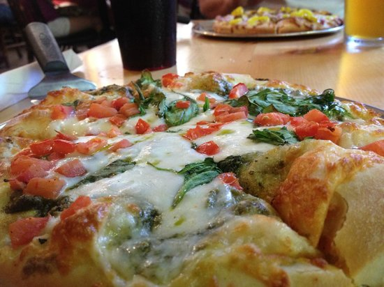 Big Woods Pizza Co.: Pesto, mozzerella, fresh tomatoes, and spinach!!