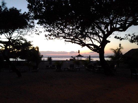 Benoa Beach Front Villas & Spa: 6 am beautiful