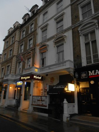 Brompton Hotel London: the front