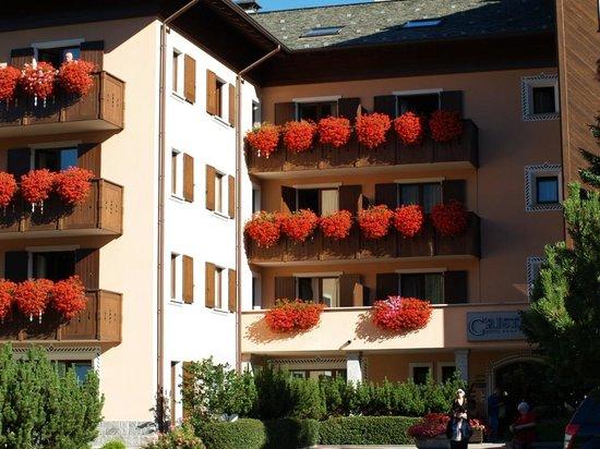Hotel Cristallo : La facciata in una splendida giornata