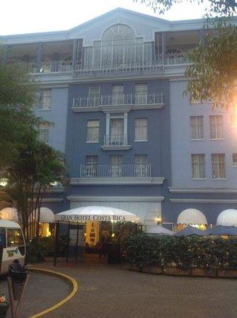 Gran Hotel Costa Rica: front entrance