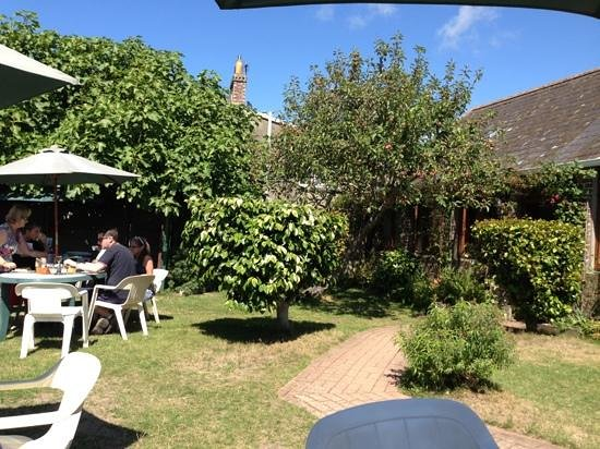 The Poplars Tea Room: stunning in the sun