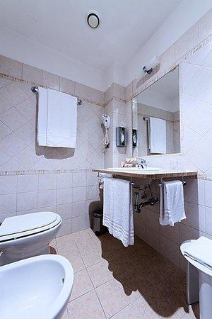 Roma Domus Hotel : Bagno