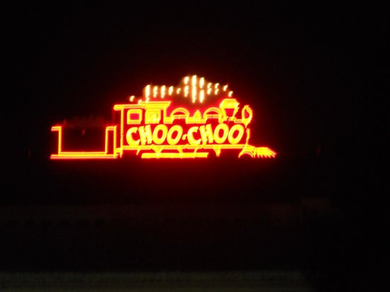 Chattanooga Choo Choo: All lit up at night