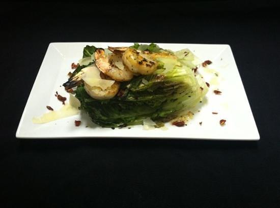 Cutler's Restaurant: GRILLED SHRIMP SALAD