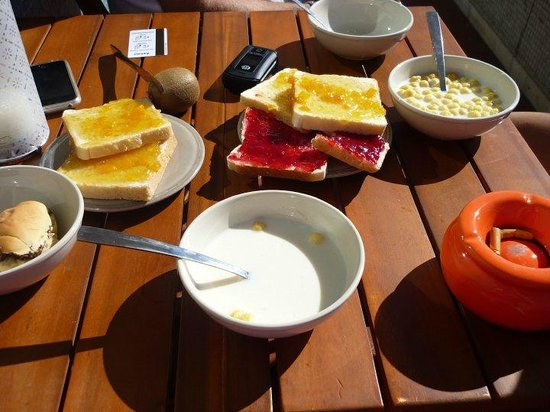 Lisbon Landscape Backpackers's Hostel : the morning breakfast