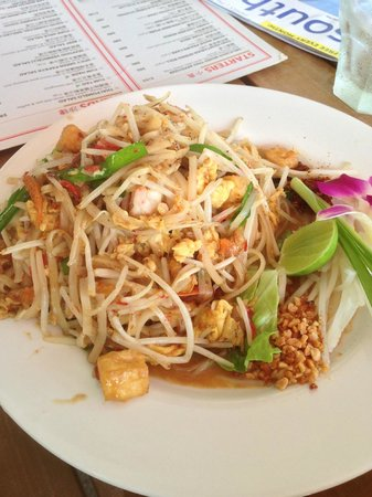 Coco Thai, Hong Kong: Noodles and prawns