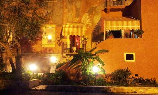 Villa Antica Dimora da Franco Smile: Ingresso parcheggio