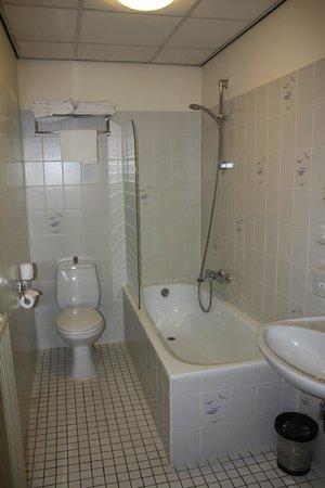 Crown Inn: Salle de bain