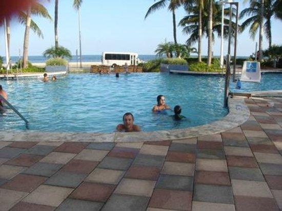 Hyatt Windward Pointe: Pool area with ocean view