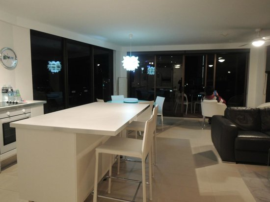 Warringa Surf Apartments: deluxe 2 bedroom apartment