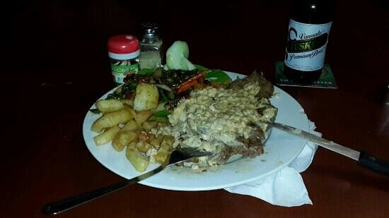 Emily's Cafe & Takeaway: 250g Rump Steak, Medium Rare, Mushroom Sauce, Chips, Vegetables, $10. Unbelievable value!