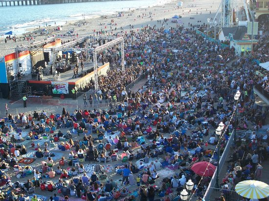 Santa Cruz Beach Boardwalk Free Y T Concert On The