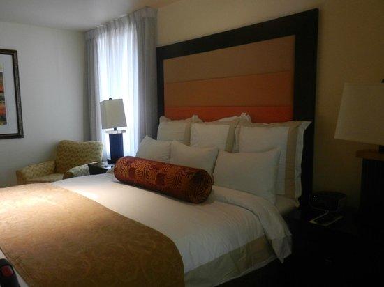 Marriott's Shadow Ridge II- The Enclaves: Master bedroom