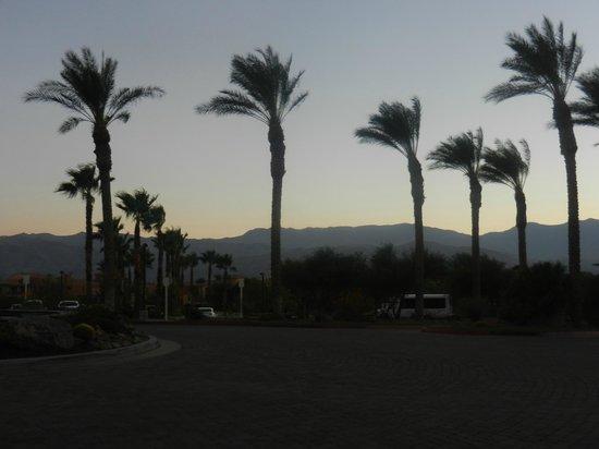 Marriott's Shadow Ridge II- The Enclaves: Nighttime view