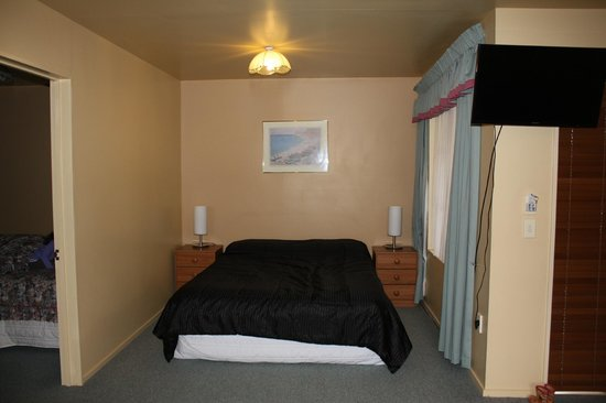 Glenalvon Lodge Motel and B&B: Chambre parents