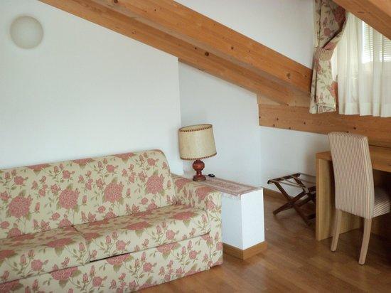 Hotel Romanda : salotto suite