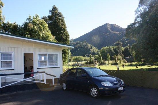 Mataki Motel: Vue de l'extérieur