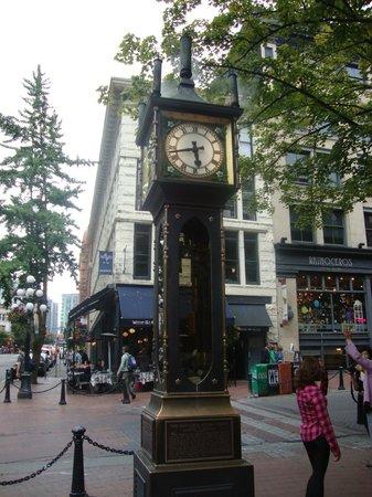 Metropolitan Hotel Vancouver: Il vecchio orologio a carbone del centro storico