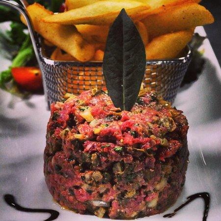 Le Grill de la Mourachonne: Tartare de Boeuf minute