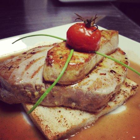 Le Grill de la Mourachonne: Steak de Thon Gourmand